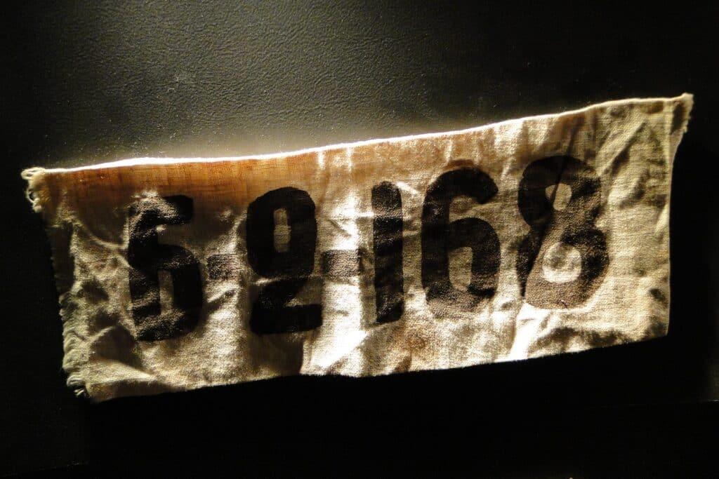 Bezettingsmuseum Riga - armband gevangenen