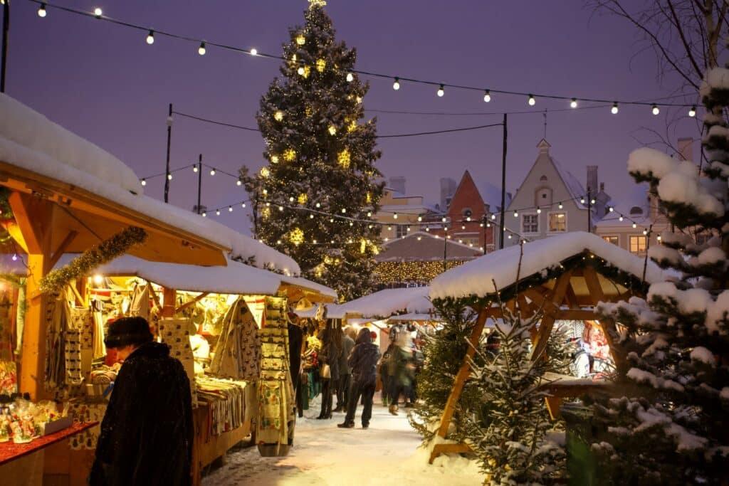 Kraampjes op de kerstmarkt Tallinn