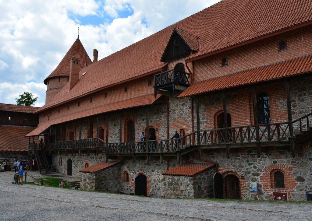 Binnenkant kasteel van Trakai