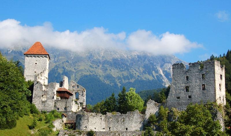 Mooiste kastelen van Slovenië - Kasteel Kamen