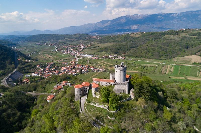 Mooiste kastelen van Slovenië - Kasteel Rihemberk